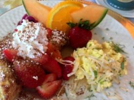Breakfast at the Old Mystic Inn