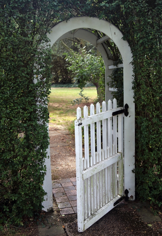 A_garden_arch_and_gate_Gibberd_Garden_Essex_England