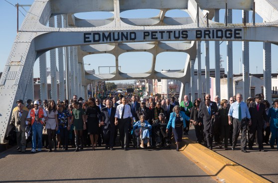 the_obamas_and_the_bushes_continue_across_the_bridge