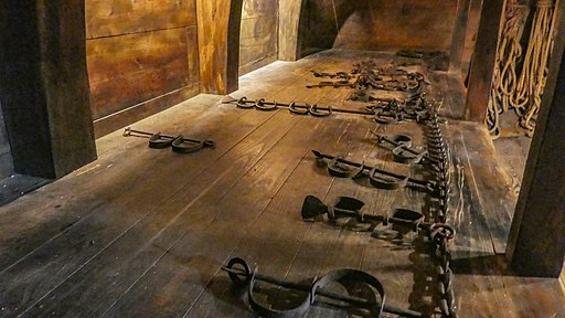 Slave_shackles_(30393496593)